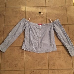 Guess size M off the shoulder  blouse/Shirt